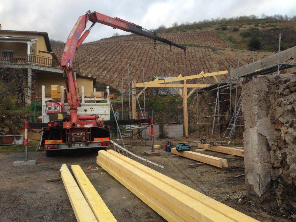 Entreprise pour la fabrication et la pose de charpente pour un hangar agricole   KMC toitures